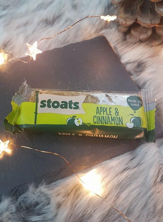 Stoats - Apple & Cinnamon Porridge Oat Bar  