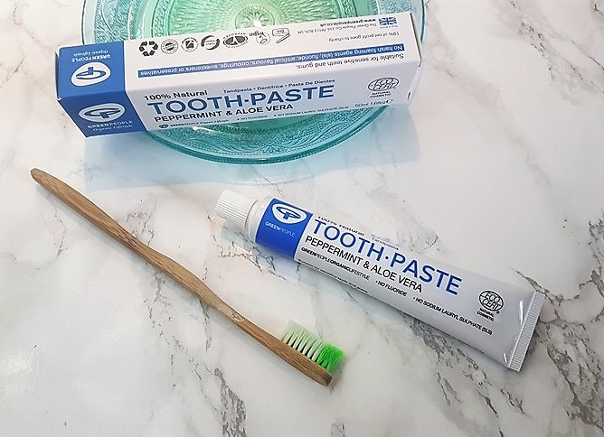 vegan - natural - MINT TOOTHPASTE - green people