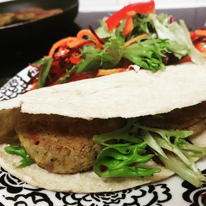 falafels in pitta bread - vegan meal
