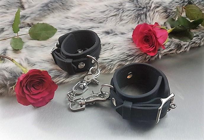 silicone handcuffs