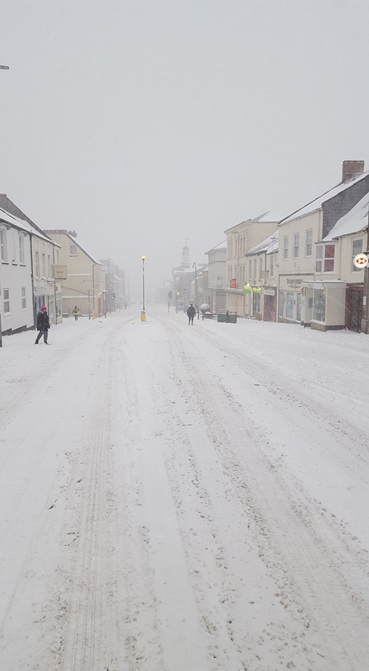 snow on Chard highstreet