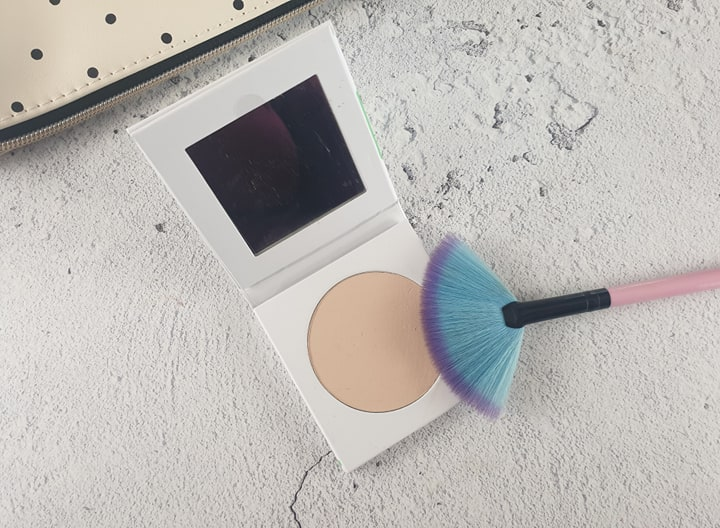 PHB Ethical Beauty Pressed Mineral Finishing Powder