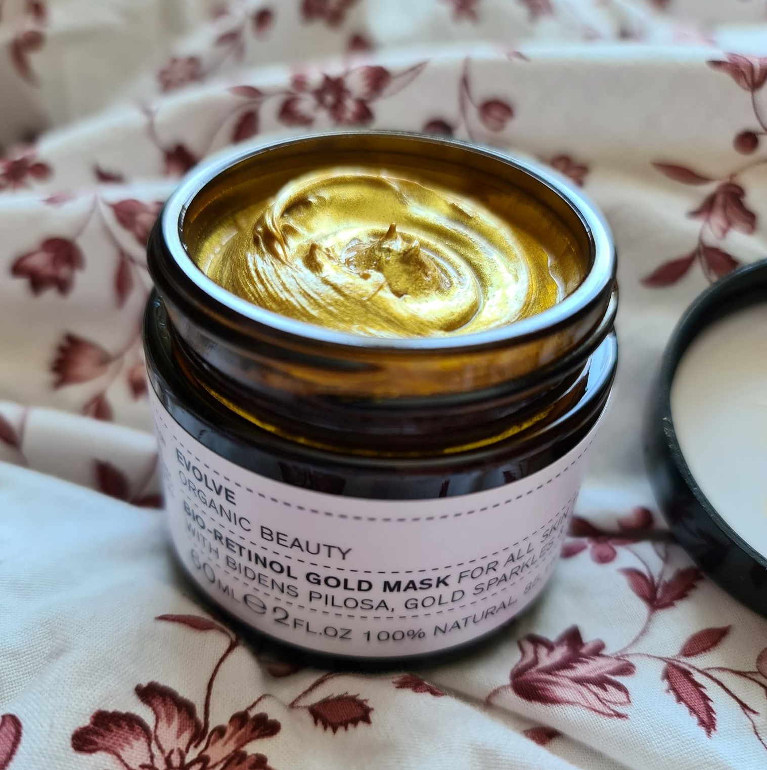 Bio-retinol Gold Face Mask by Evolve Beauty