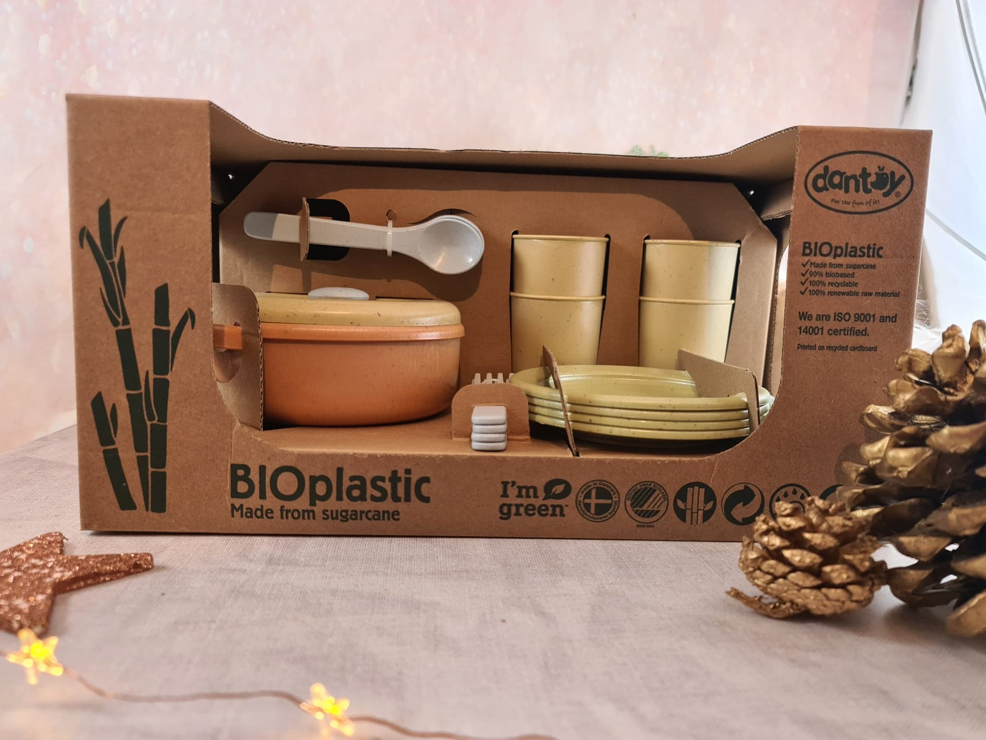 Dantoy Bio-Toy Pretend Play Dinner Set 22 Pieces, Eco-conscious Toys made from Sugarcane