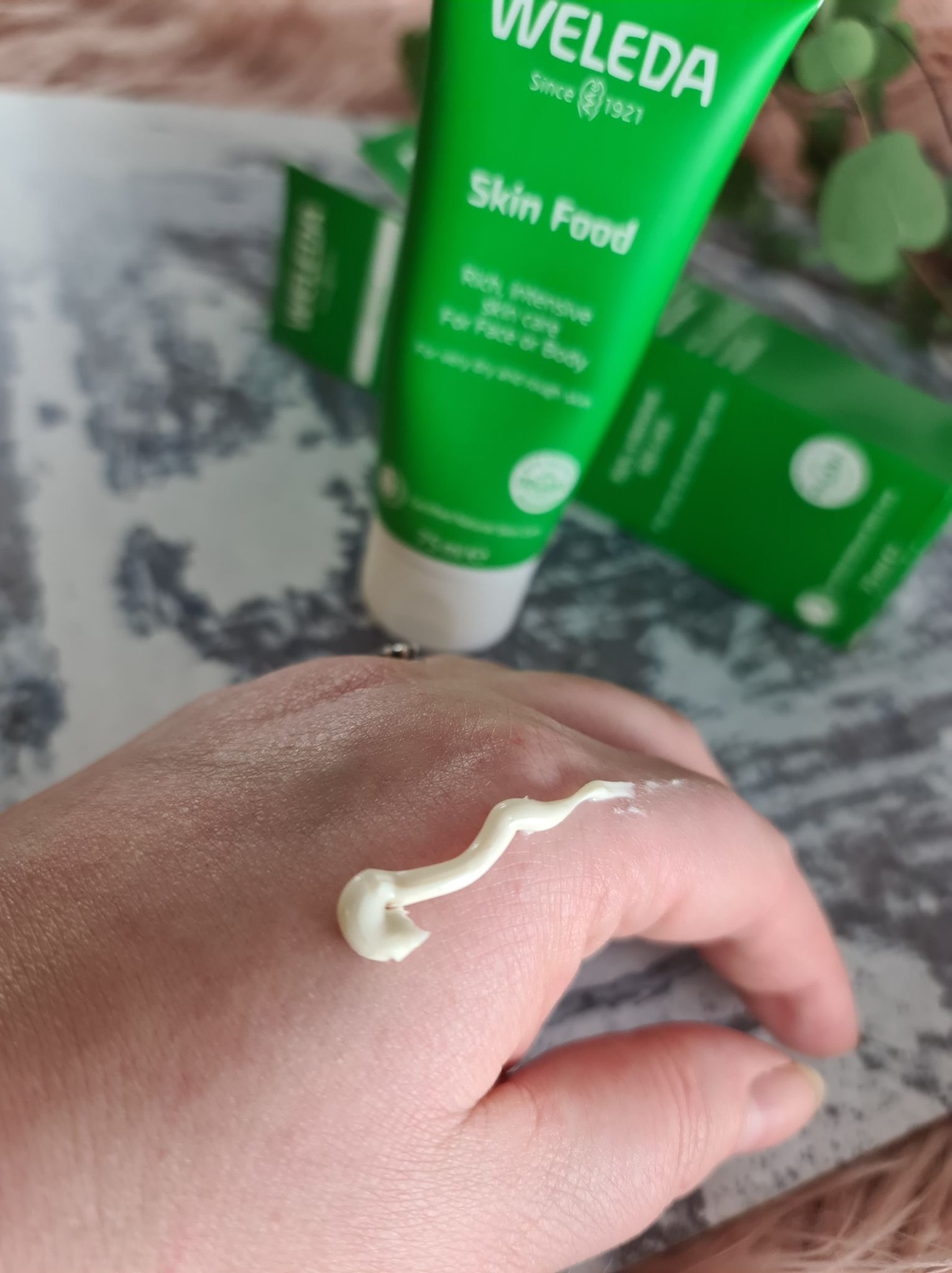 Weleda skin food cream photo swatch