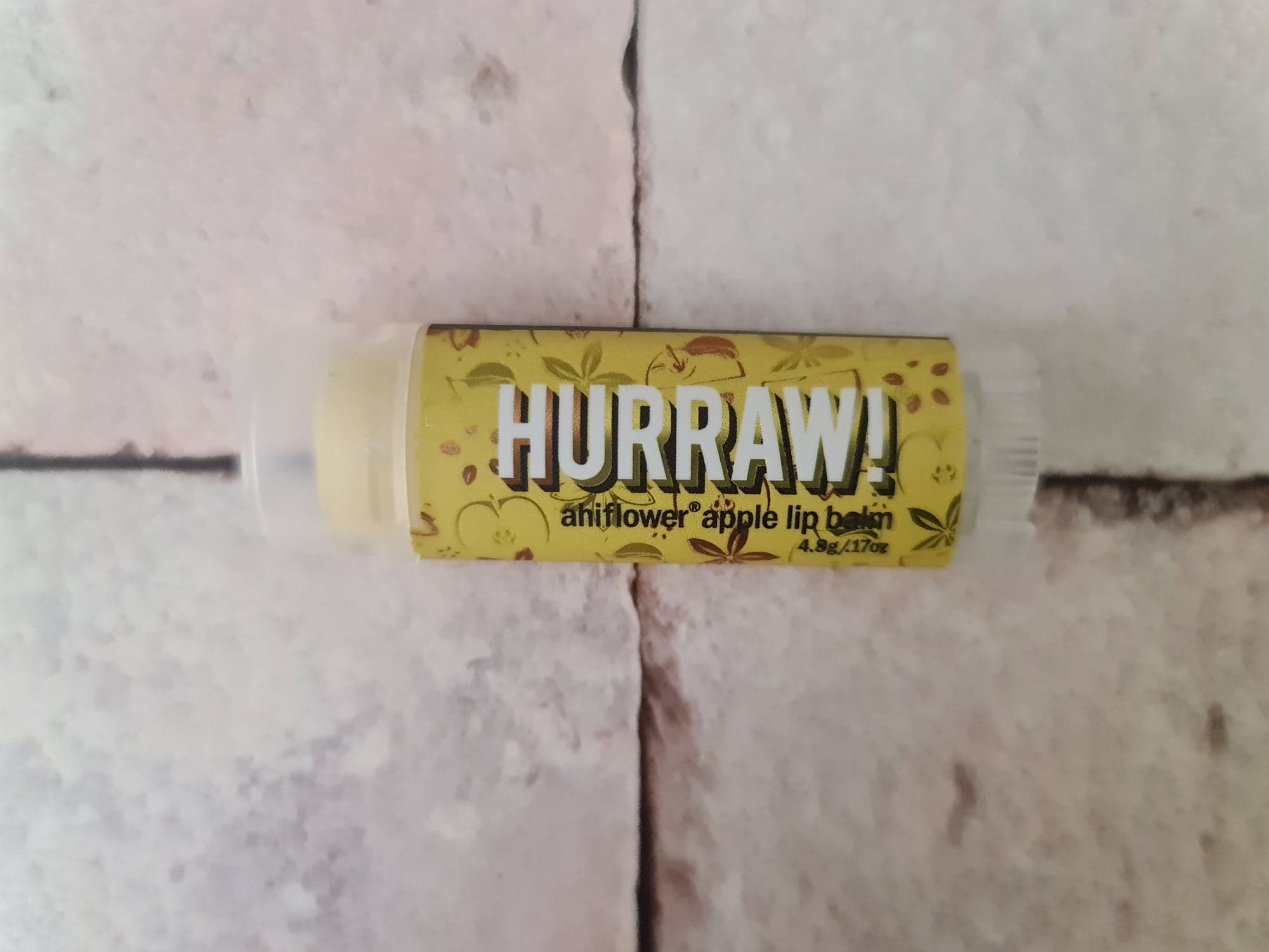 Hurraw Ahiflower Apple Lip Balm