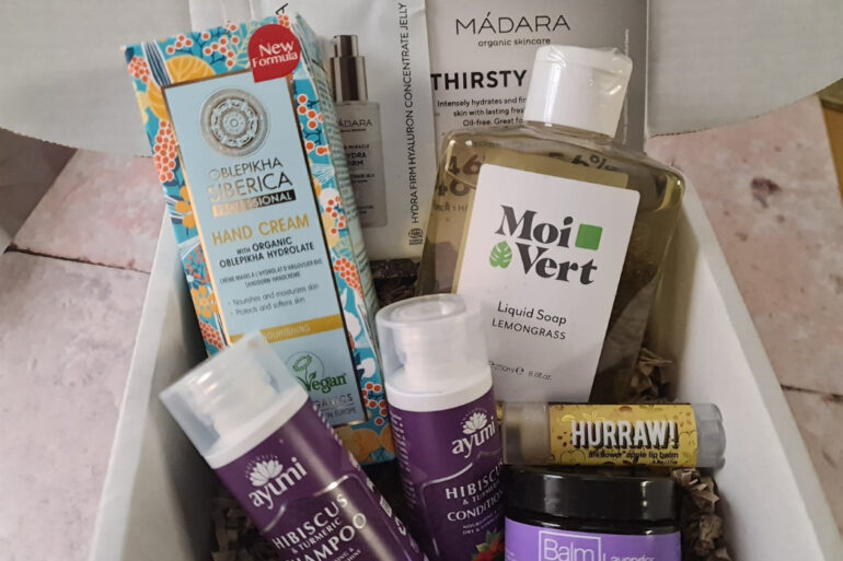 The LoveLula Beauty Box - January 2021
