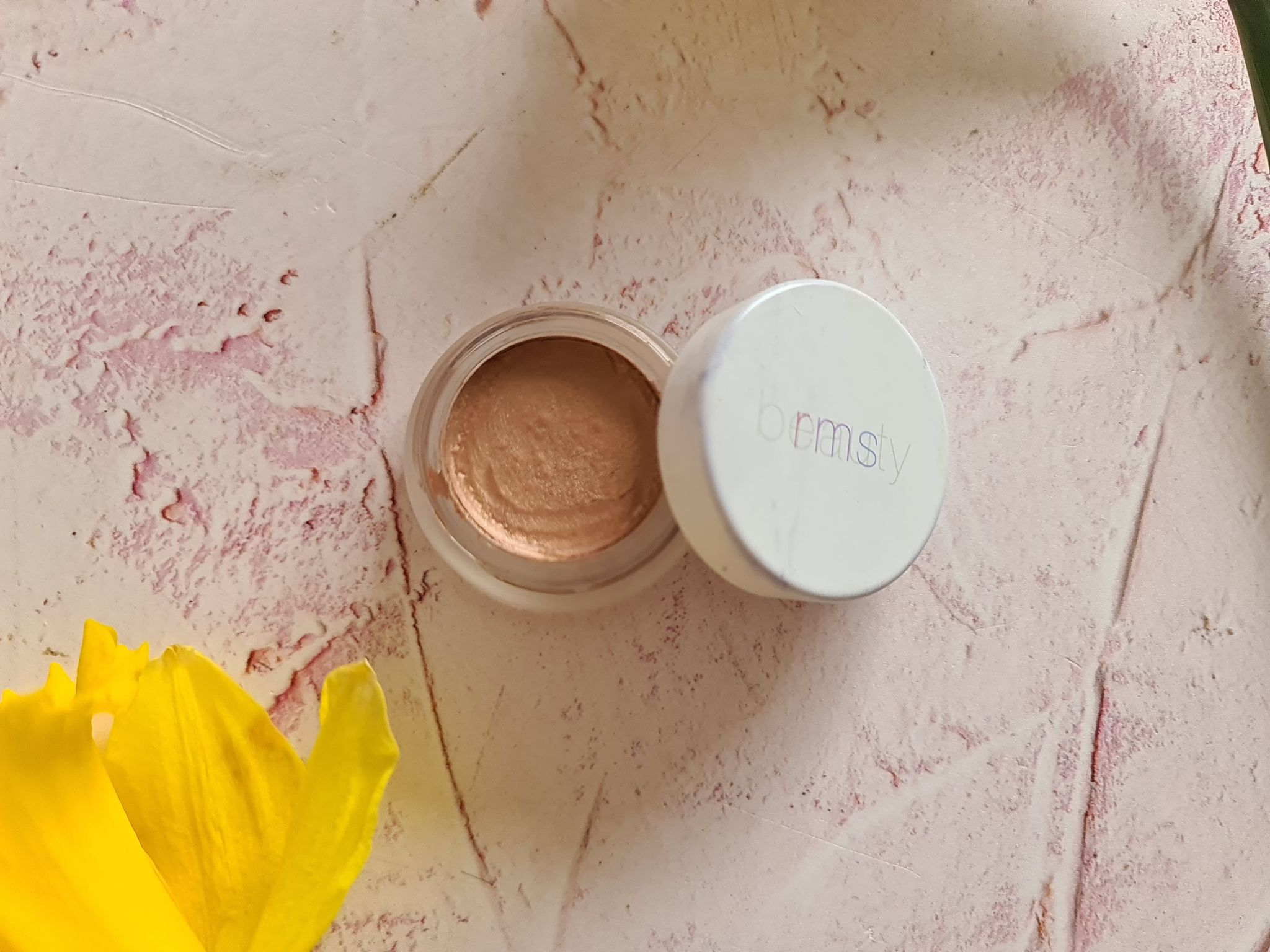 RMS Beauty Eye Polish - Lucky review