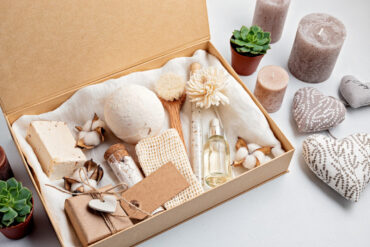 How to Have a Plastic-Free and Natural Beauty Routine