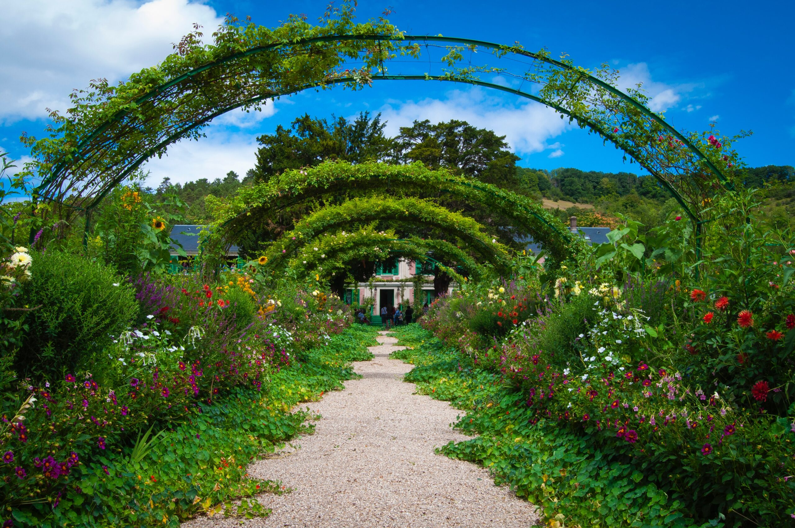 archways of green